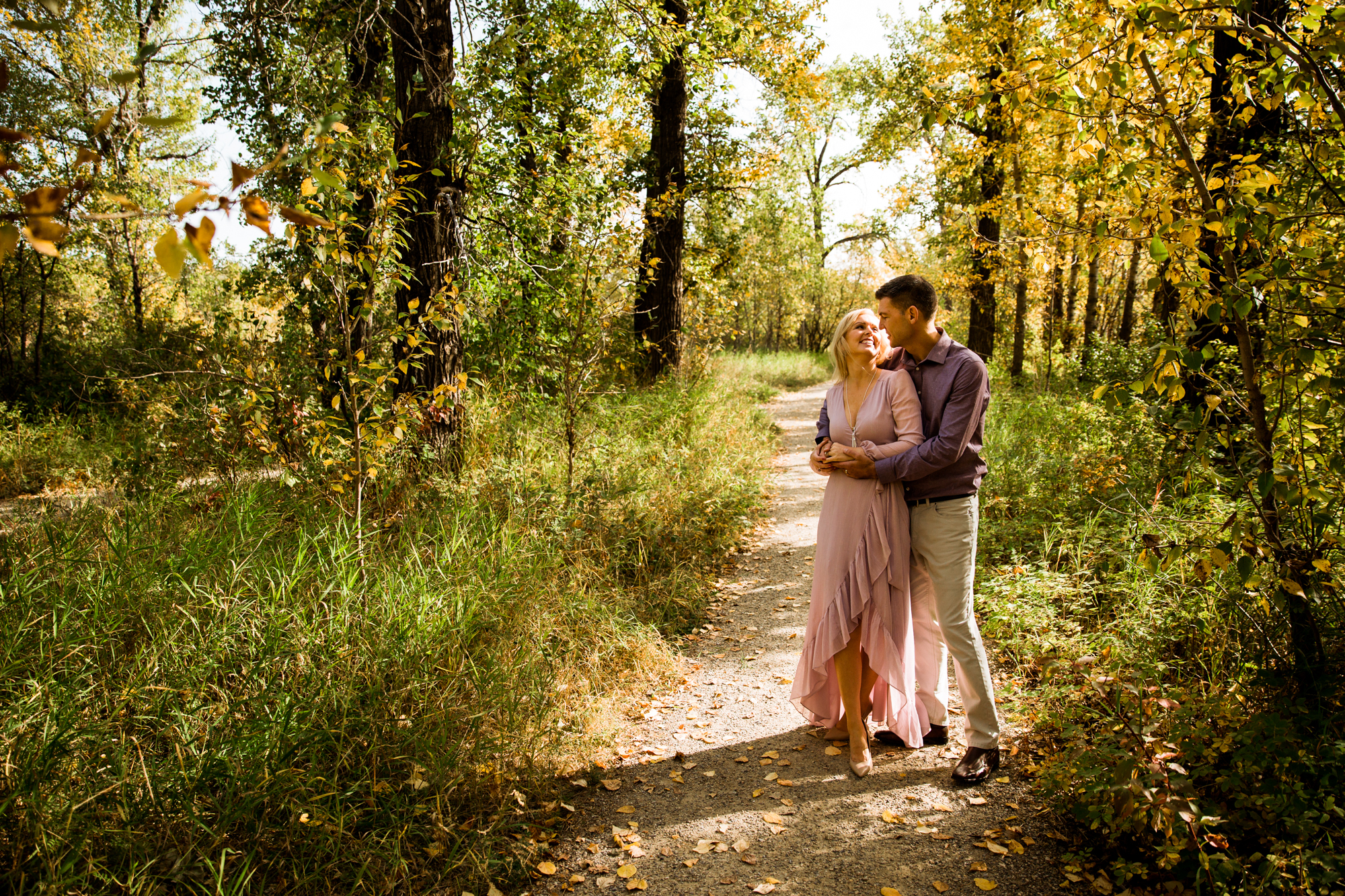 Calgary engagement and wedding photographer, summer engagement photos at Bowness Park