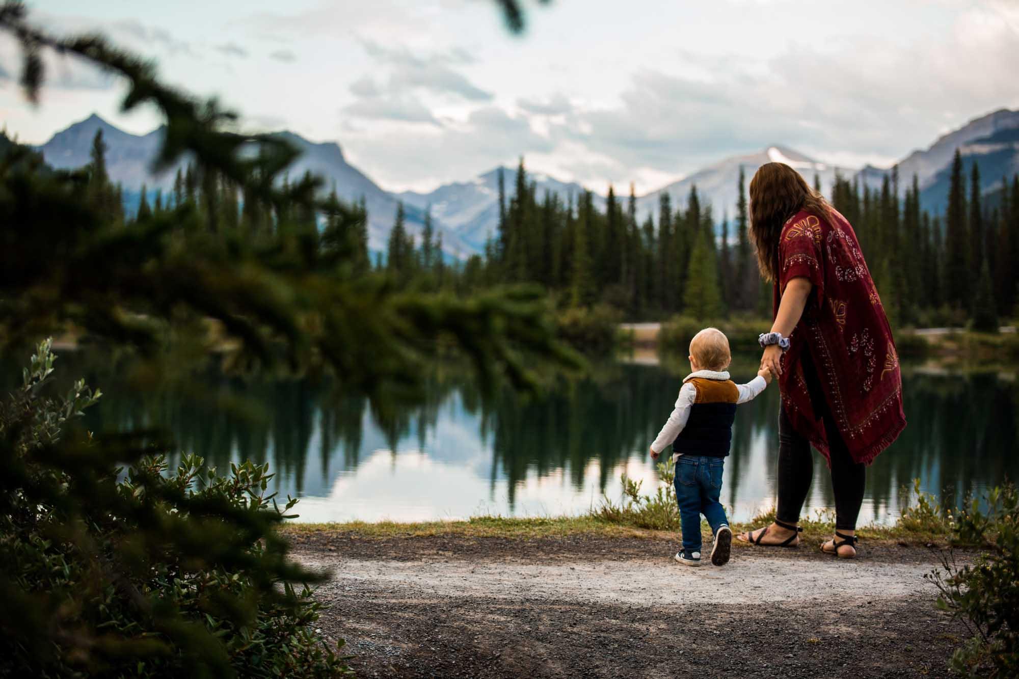 Calgary family photographer, adventure family photography in the Kananaskis