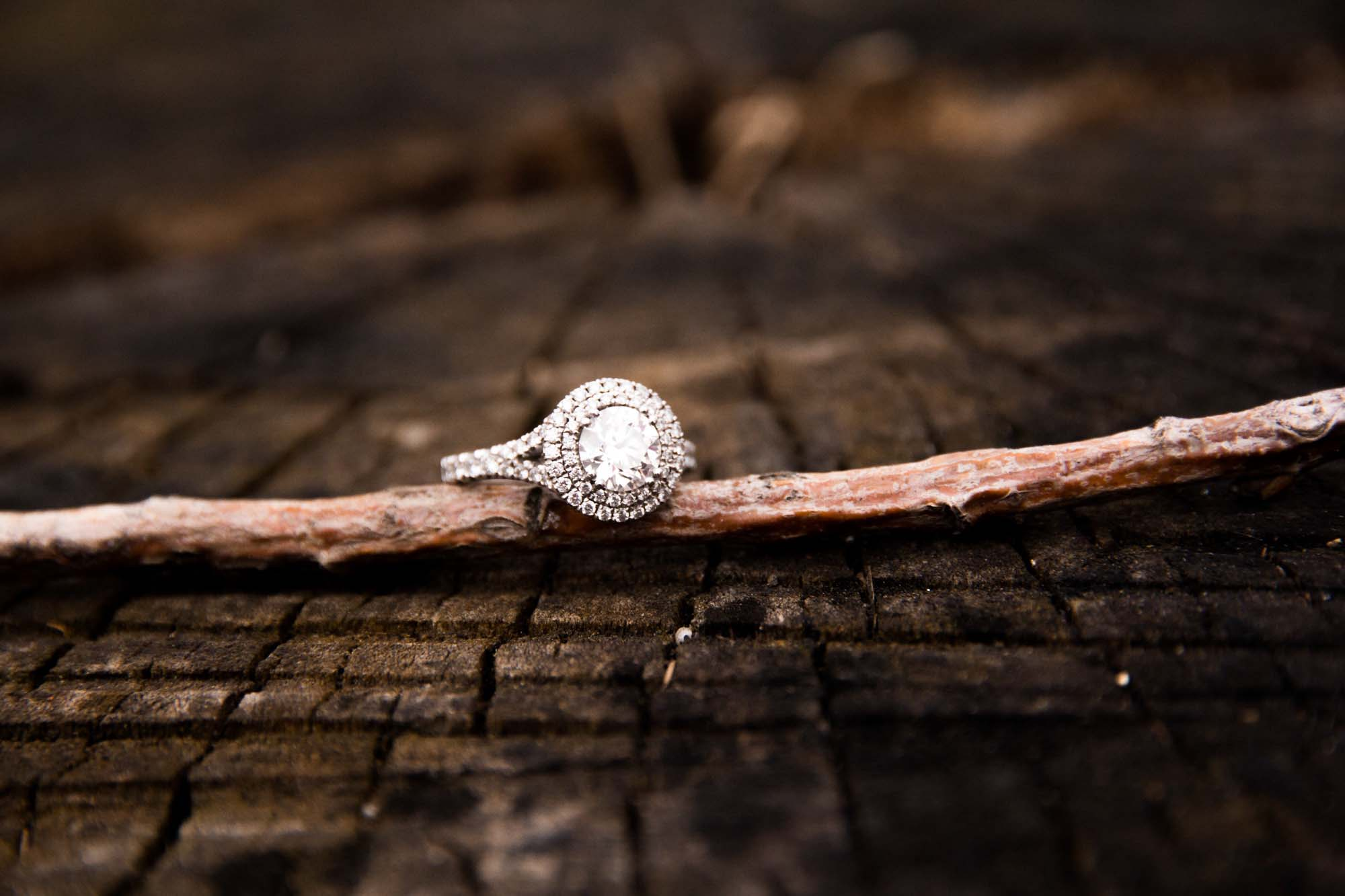 Calgary engagement and wedding photographer, engagement ring during winter photos