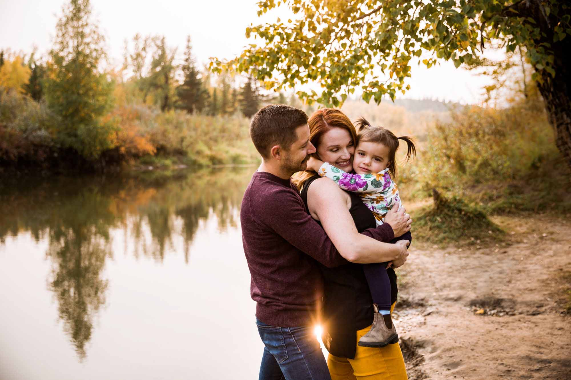 Calgary family photographer, photography session at Fish Creek Park in Calgary