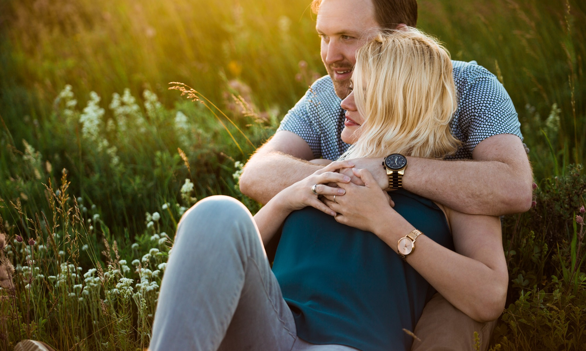 Calgary wedding and family photographer, engagement photo at sunset