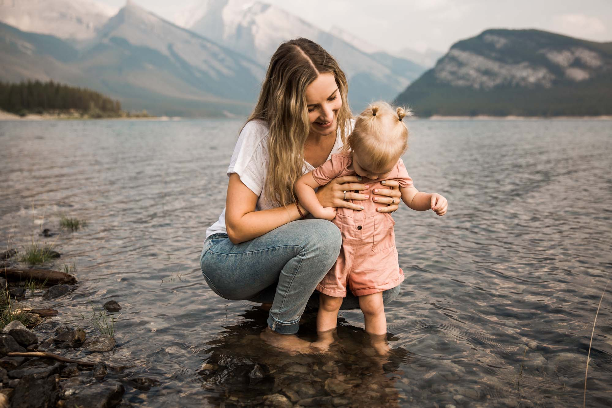 Calgary lifestyle family photographer, family photos by the water at sunset in Kananaskis Country